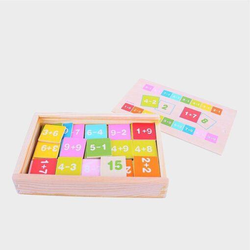 Ξύλινο κουτί με πράξεις μαθηματικών με πρόσθεση και αφαίρεση