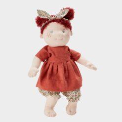 πάνινη κούκλα με κόκκινα μαλλιά, φλοράλ σορτσ και κόκκινη σκούρα πουκαμίσα 42cm